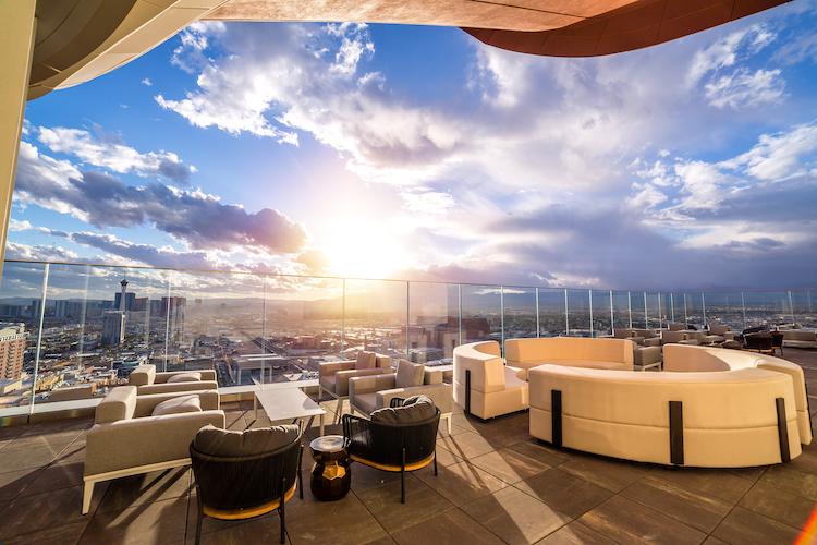 Rooftop lounge Las Vegas